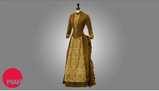 Brown dress with bustle 3D Model