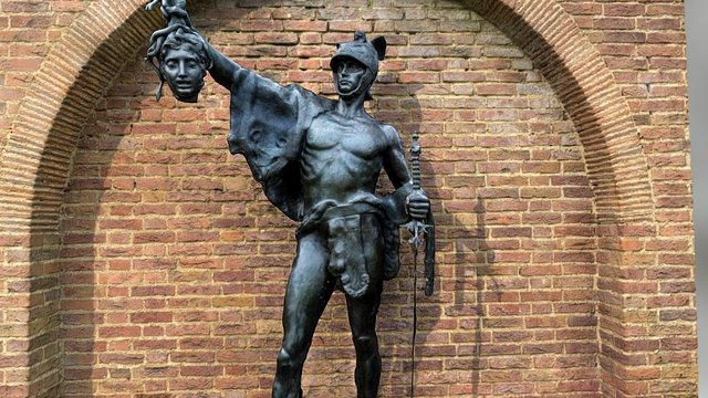 Perseus holds Medusa's head 3D Model